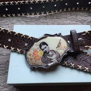 🌺Frida Kahlo buckle + brushed brown leather belt