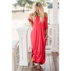 • T-SHIRT SLOUCHY MAXI DRESS •