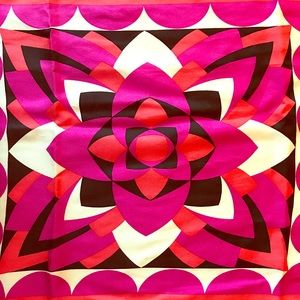 LOWER PRICE: 100% Silk Nicole Miller Studio Scarf