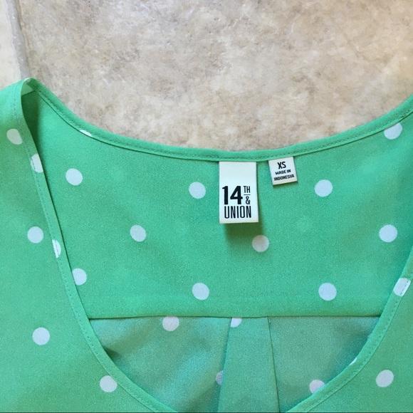 14th & Union Tops - Green Polka Dot Short Sleeved Blouse/Tunic