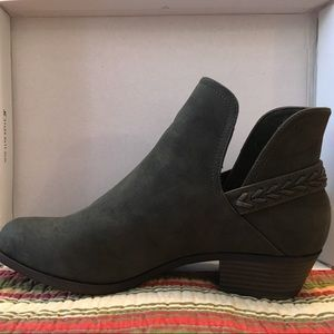 JUSTFAB Olive Green Booties Size US 10 Brand New