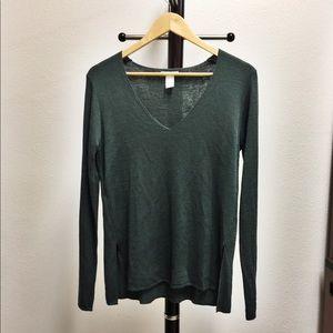 NWOT Green v-neck sweater