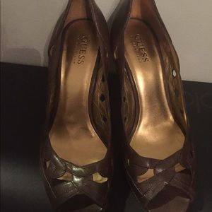 Brown guess high heel shoes
