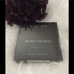 🆕 Real Her Eye Palette II- Do Your Squats