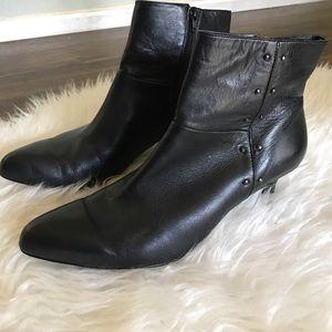 Tahari Pilar boots