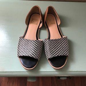 Dolce Vita flat sandals