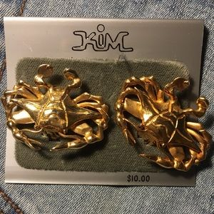 Vintage gold crab earrings