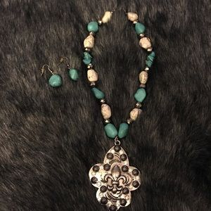 Matching Silver/Turquoise Necklace & Earrings Set