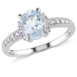 Aqua Marine in white gold ring size 8
