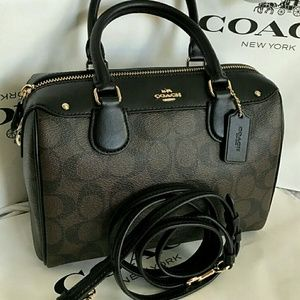AUTHENTIC NWT Coach GORGEOUS Crossbody!