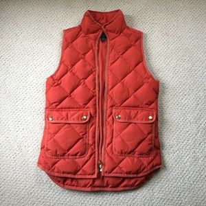 J Crew women's puffy quilted vest