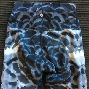 Lululemon angel wing high times size 4 Luon