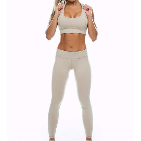 e5a80d0b3b26d Saski Collection Nude Sports Bra   Leggings Set S