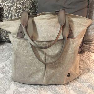 Lululemon Live Free Tote in Freckle Flower Bag