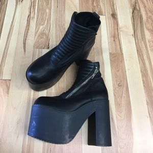 UNIF platform leather ankle boot booties