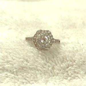 😍😍💍 beautiful ring.