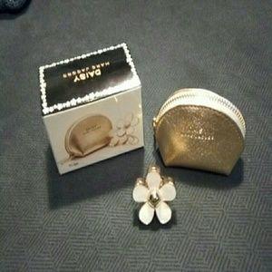 Marc Jacobs Daisy perfume ring
