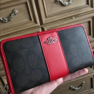 New - Coach Accordion Zip Wallet