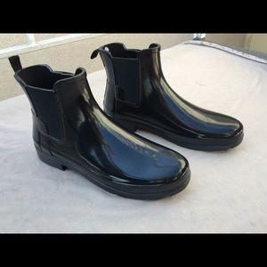 Hunter black shiny polished Chelsea rain boots