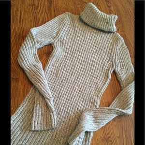 Turtle neck sweater medium