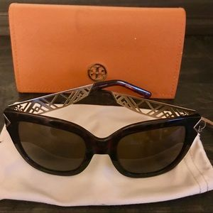 Tory Burch Tortoise Shell Sunglasses 😎