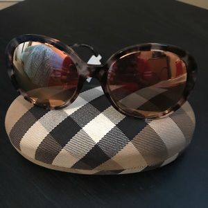 Burberry womens templed mirrored round frame