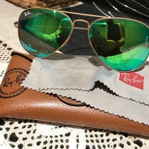 Green Aviator Ray Bans