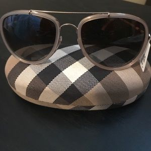 Burberry polarized  Aviator gradient sunglass