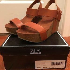 Mia brown wedges