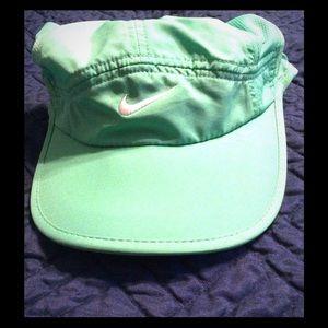 Nike Dri-fit featherlight green hat