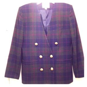 Vintage plaid blazer with great color/gold buttons