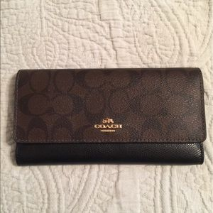 Coach Signature Fold Wallet