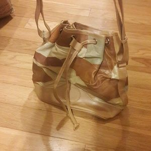 Cute bucket purse never used
