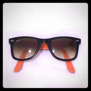 Ray-Ban Black Wayfarer Sunglasses