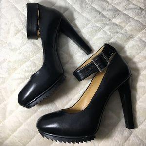 "NINE WEST ""CAVEWOMAN"" Leather Platform Heels"