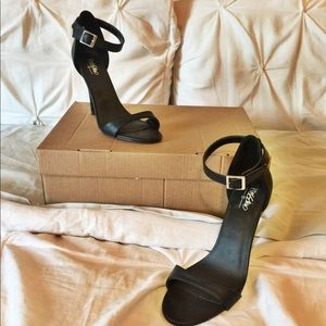 Like new Barely there black sandals