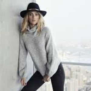 Express Edition Collection Sweater
