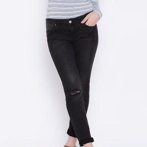 Forever 21 Black Distressed Jeans