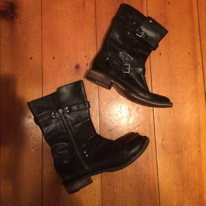 Black leather ugg boots zip up sz 8 as is