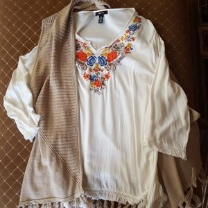 🍁🍁 Style & Co Boho Embroidered Tunic 🍁🍁