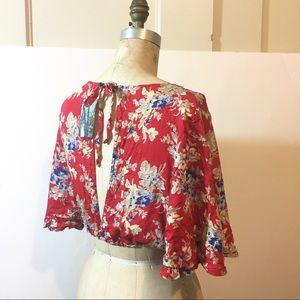 New Urban outfitters crop tops floral red