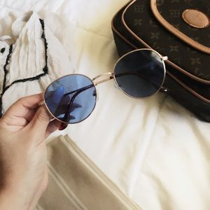 😎ROUNDED BlUE LENSE & GOLD FRAME SUNGLASSES