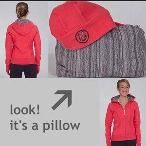 Lululemon scuba hoodie *se travel pillow