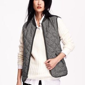 New Old Navy Herringbone Quilted Vest