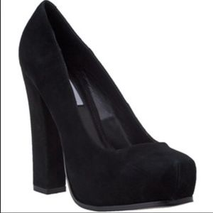 Steve Madden Sarrina Suede Platform High Heel Shoe