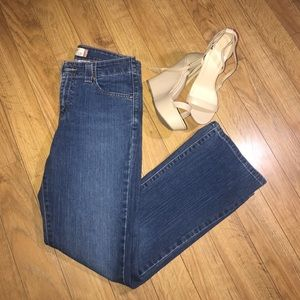 525 levis for women
