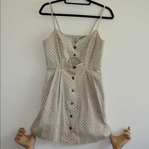 Cute cut-out dress perfect for spring/fall/summer