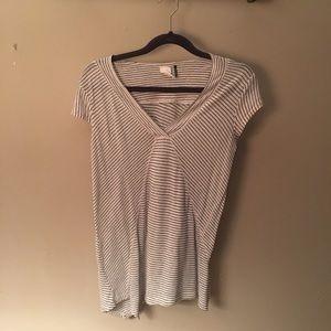 Anthropologie asymmetrical vneck tshirt size s