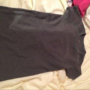 Lululemon athletica swiftly tech t shirt  size 4