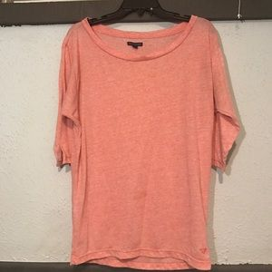 Salmon colored 1/2 sleeve comfy over sized AEO top